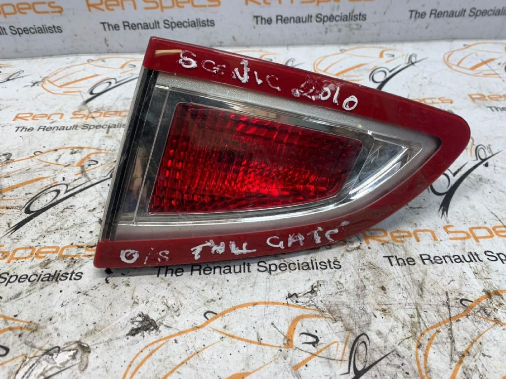 RENAULT SCENIC 2009-2016 REAR/TAIL LIGHT ON TAILGATE (DRIVERS SIDE) [BP]